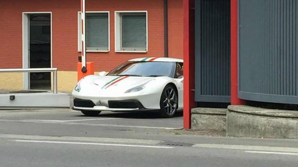 Ferrari вывела на тесты загадочную модель