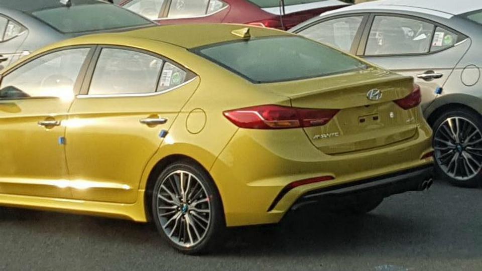 Hyundai Elantra Sport оснастят 200-сильной «турбочетверкой»