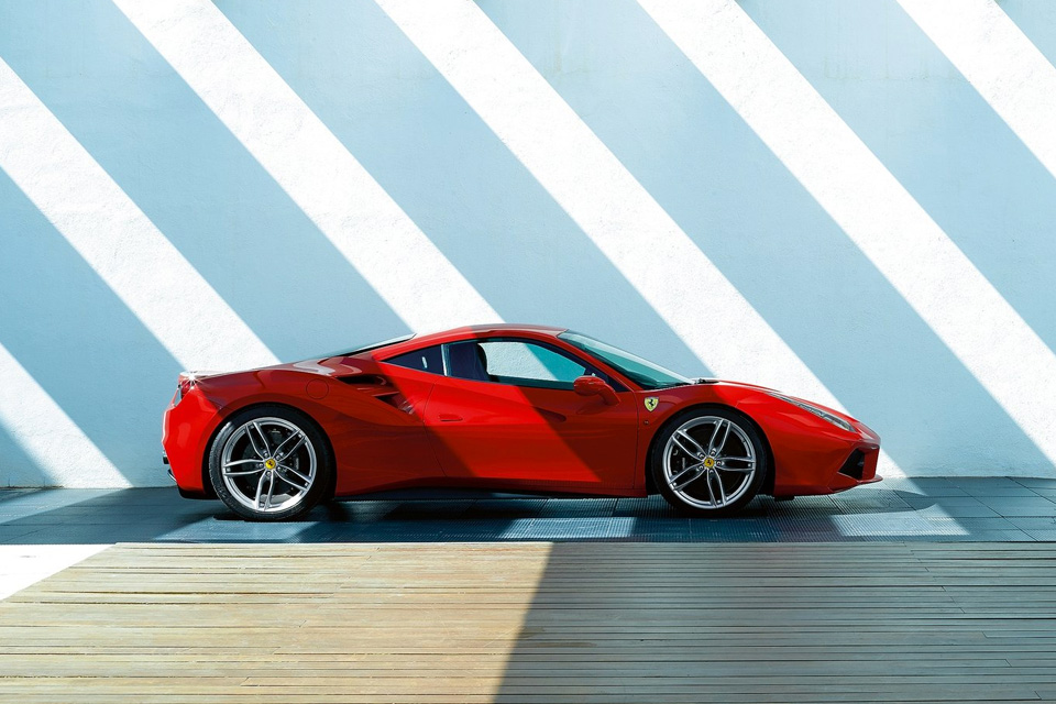 Почему трудно купить суперкар, даже если на него есть деньги: Road and Track. Фото 2