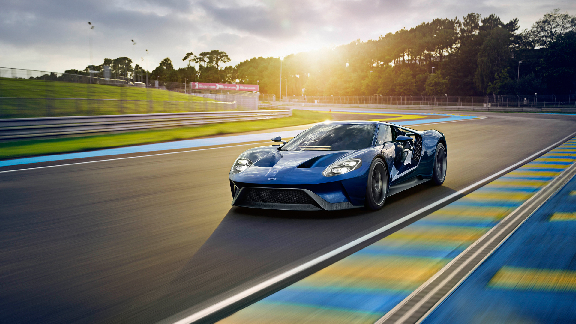 Почему трудно купить суперкар, даже если на него есть деньги: Road and Track. Фото 1