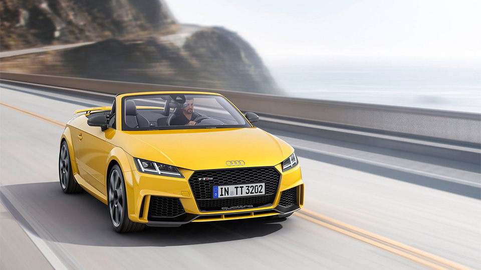 TT RS стала первой моделью Audi с оптикой из органических светодиодов. Фото 1