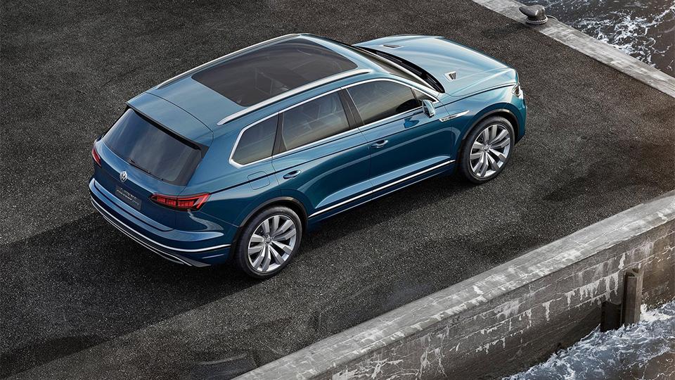 Новый прототип VW получил название T-Prime Concept GTE. Фото 2