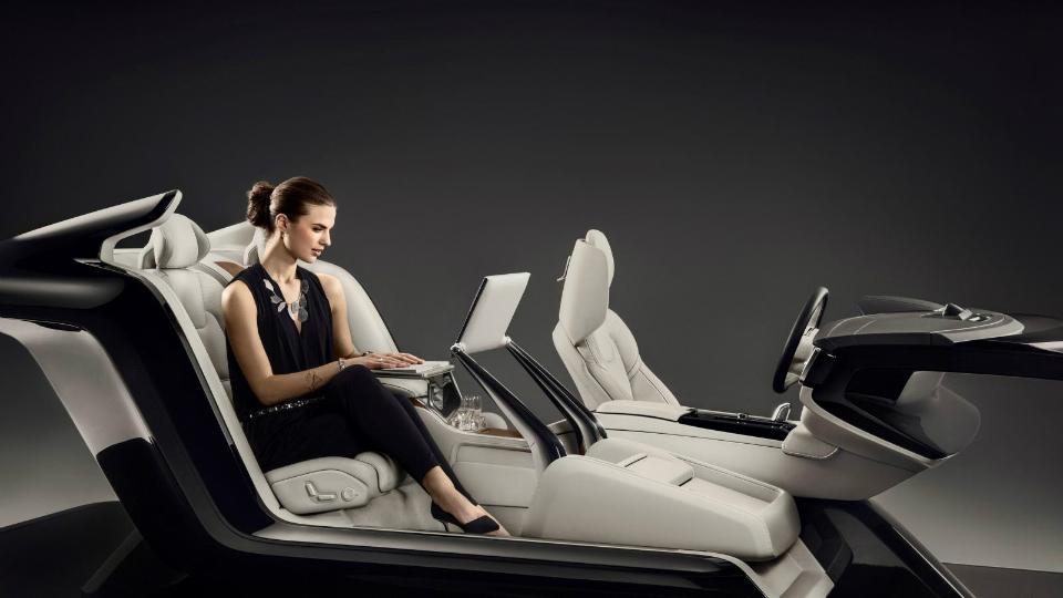 Volvo оснастила салон роскошного седана ящиком для обуви