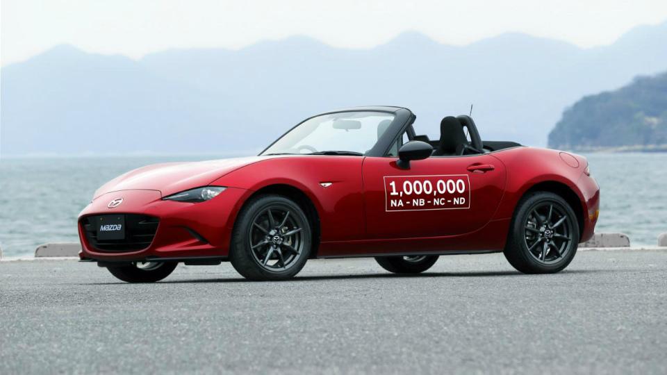 Компания Mazda выпустила миллионный родстер MX-5