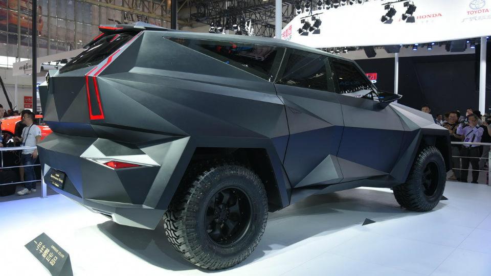 Компания IAT построила роскошную машину на базе тяжелого пикапа Ford