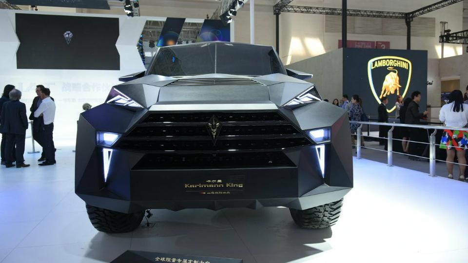 Компания IAT построила роскошную машину на базе тяжелого пикапа Ford . Фото 1