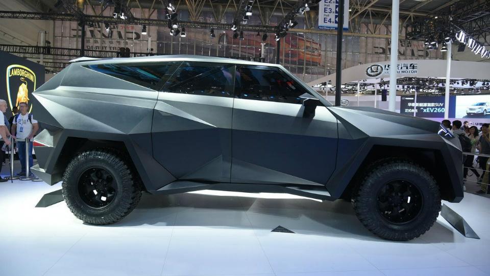 Компания IAT построила роскошную машину на базе тяжелого пикапа Ford . Фото 2