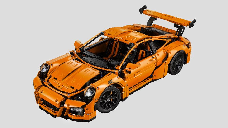 В Lego создали игрушечный Porsche c рабочим «роботом» PDK