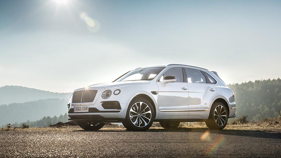 Bentley сделает «горячий» вариант быстрейшего в мире внедорожника