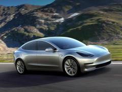 Глава «Теслы» пообещал выпустить «доступную для каждого машину»