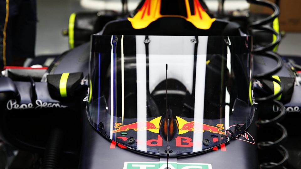 Red Bull установил на болид «ветровое стекло»