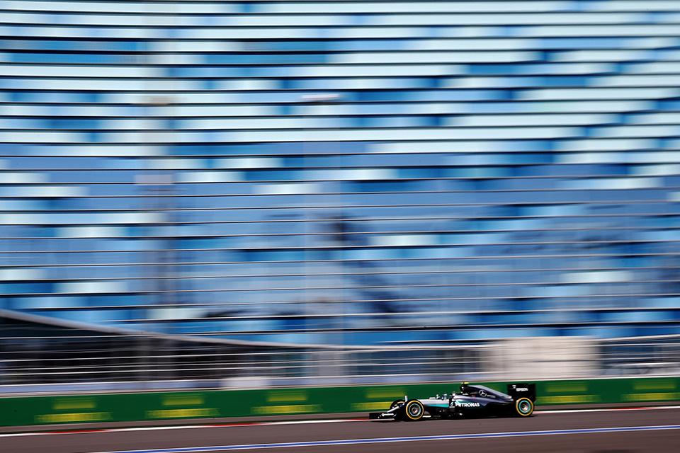 Что произошло на гонке Формулы-1 в России. Фото 5
