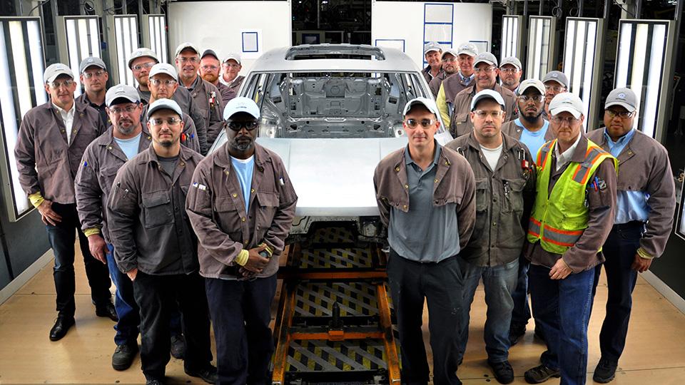 VW начал тестовую сборку нового семиместного кроссовера