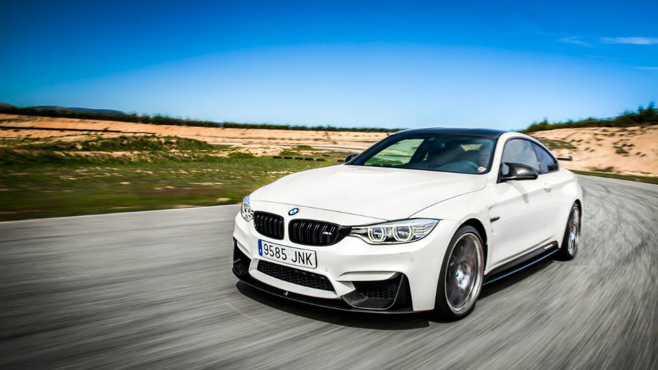 BMW подготовила «цивилизованную» версию быстрейшего спорткара