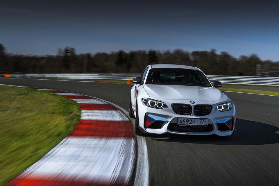 Во что превращает BMW M2 пакет M Performance. Фото 3