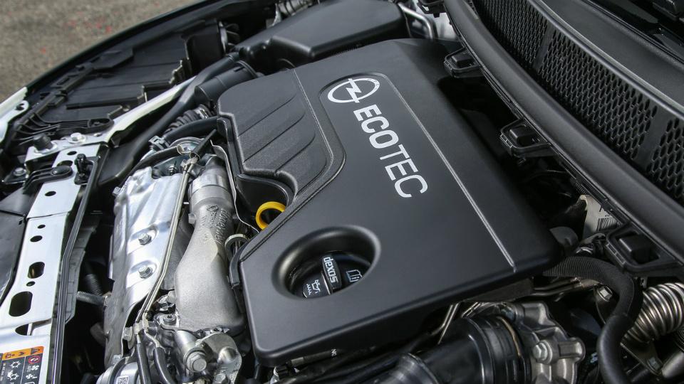 Моторную линейку модели пополнила 160-сильная «четверка» 1.6