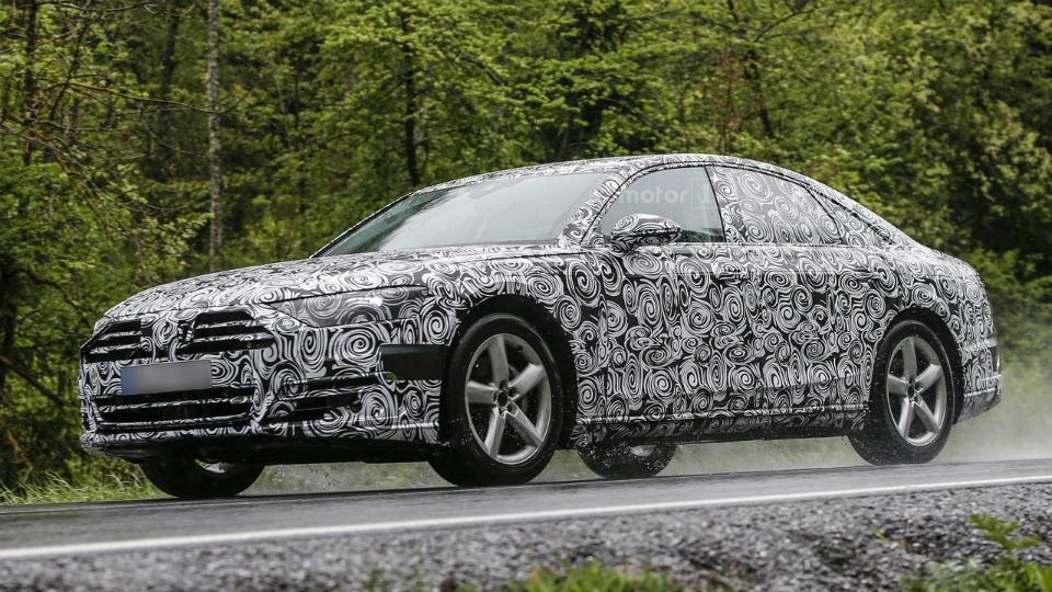 Новую Audi A8 впервые засняли в серийном кузове