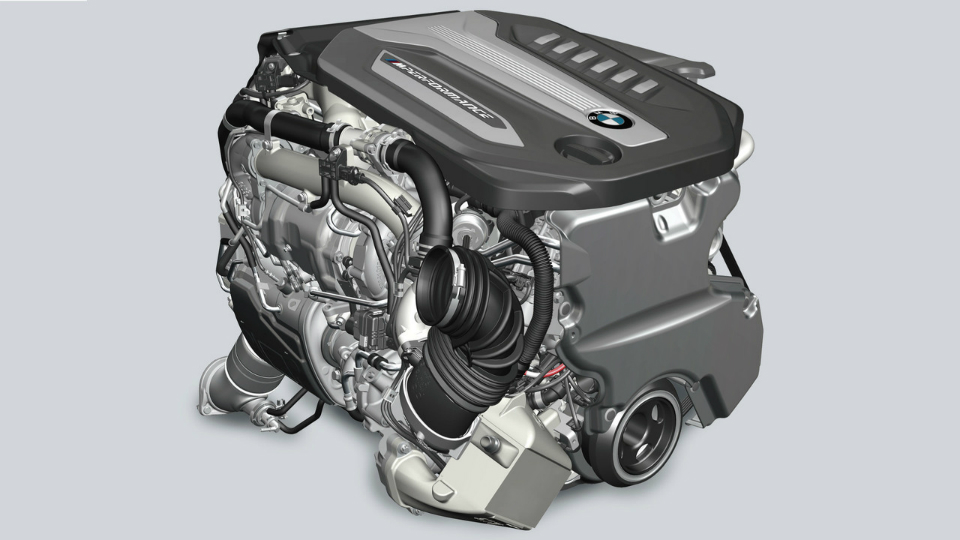 «Семерку» укомплектовали трехлитровым мотором счетырьмя турбинами