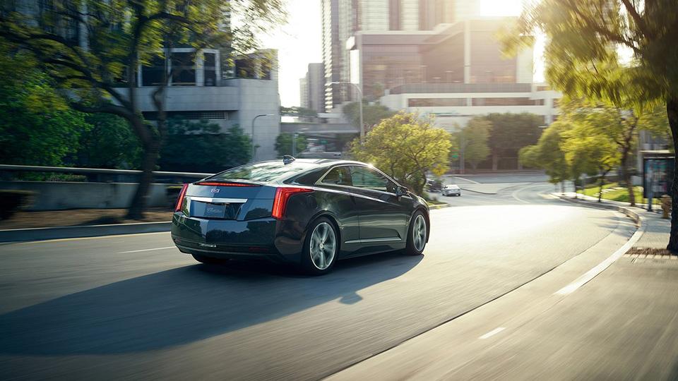 Cadillac прекратил выпуск гибрида ELR