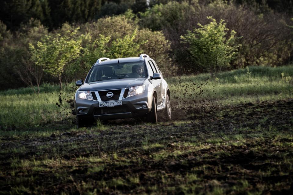 Как изменился обновленный Nissan Terrano истоитли радоваться его «автомату». Фото 4
