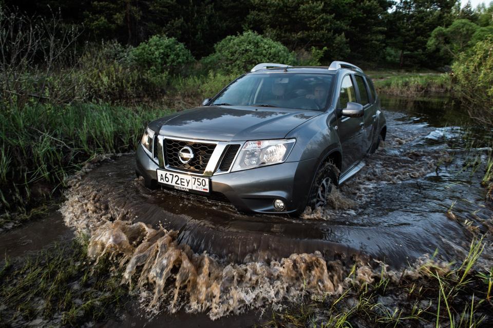 Как изменился обновленный Nissan Terrano истоитли радоваться его «автомату». Фото 3