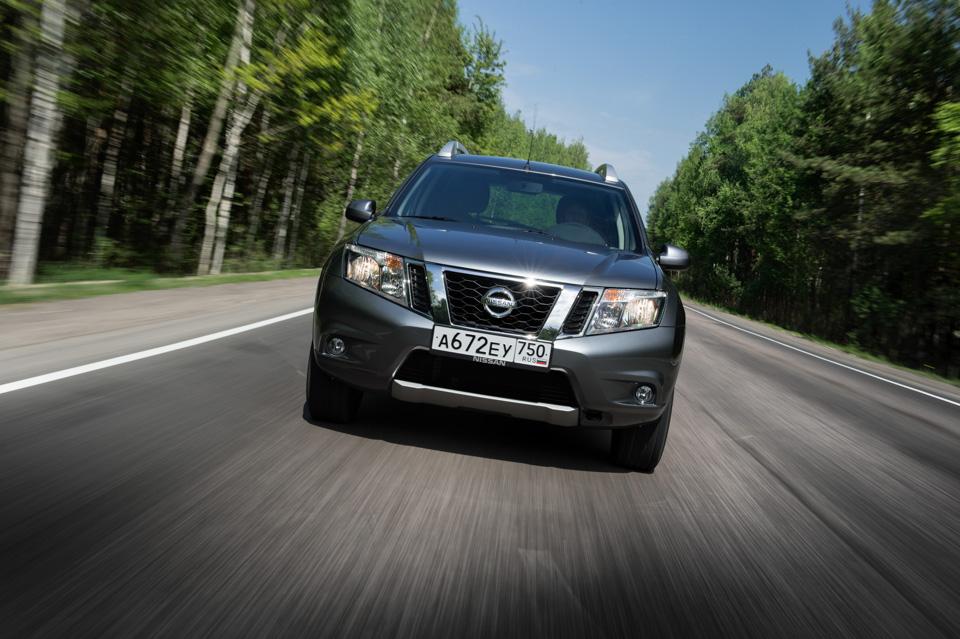 Как изменился обновленный Nissan Terrano истоитли радоваться его «автомату». Фото 6