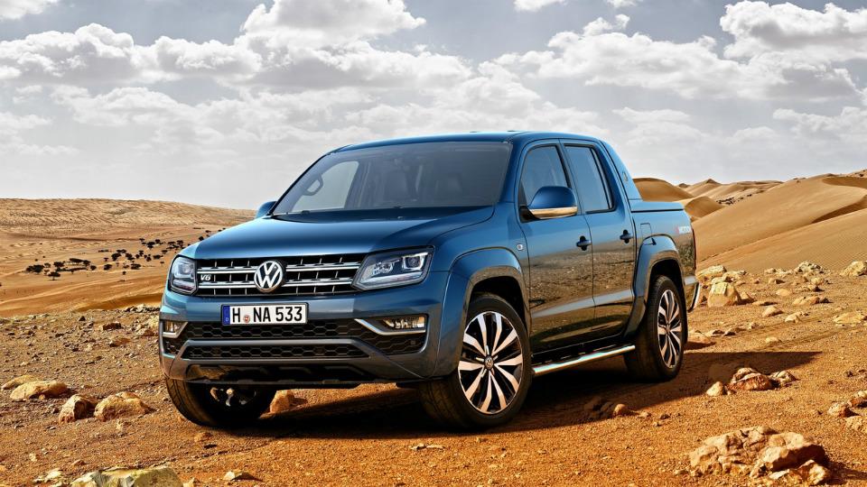 VW рассекретил салон Amarok 2016