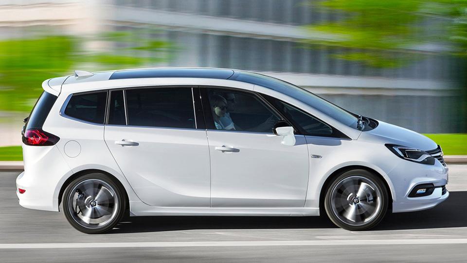 Минивэн Opel Zafira обновился. Фото 1
