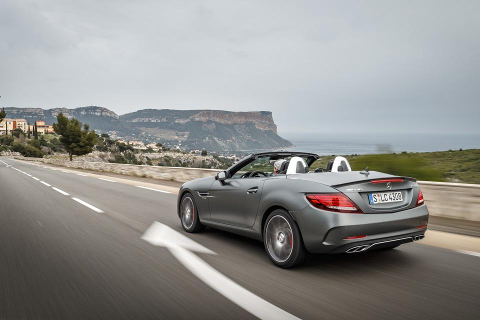 Что изменилось вродстере Mercedes-Benz SLC помимо одной буквы вназвании. Фото 6