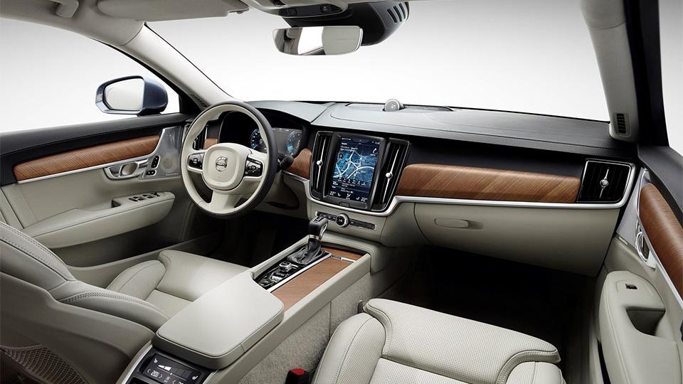 Volvo S90 оценили в2,6 миллиона рублей. Фото 2