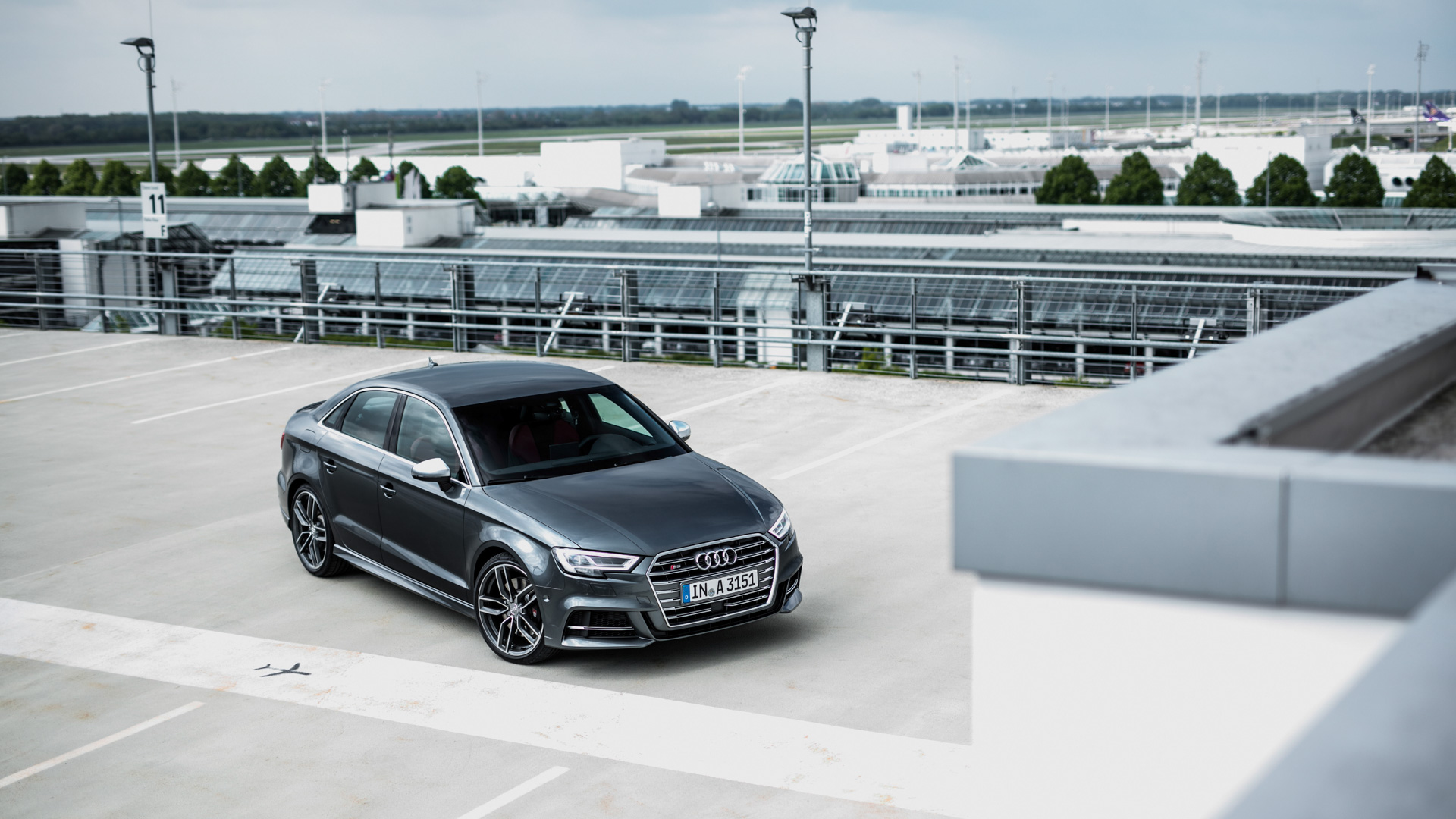 Тест-драйв обновленного хэтчбека Audi A3 и«подогретого» седана S3. Фото 7