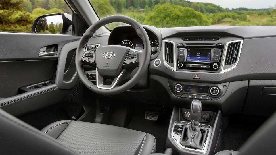 Показан интерьер компактного кроссовера Hyundai для России