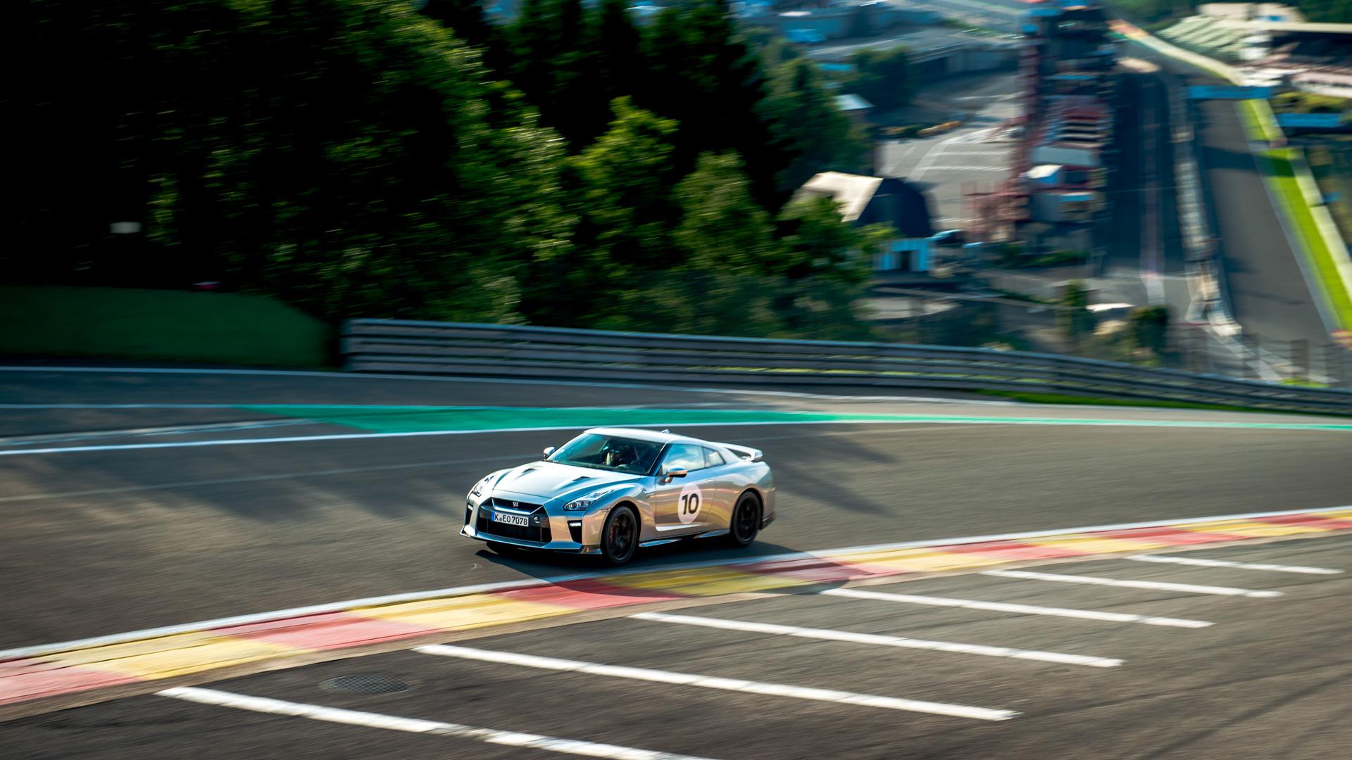 Новейший Nissan GT-R итрагические истории самого устрашающего поворота Формулы-1. Фото 12