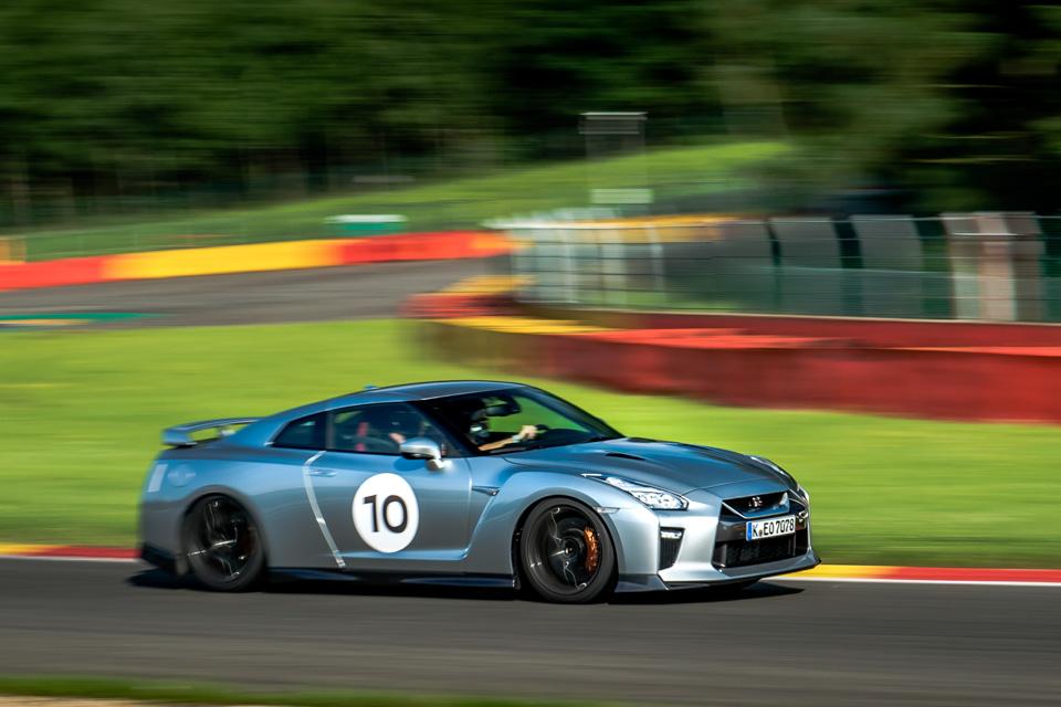 Новейший Nissan GT-R итрагические истории самого устрашающего поворота Формулы-1. Фото 14