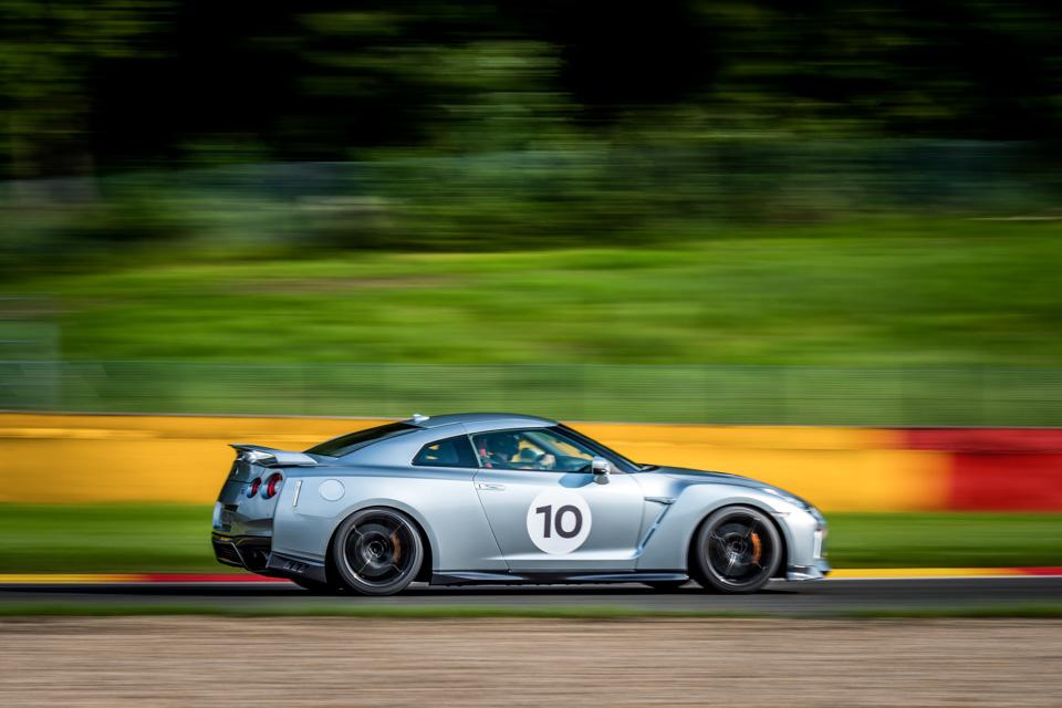 Новейший Nissan GT-R итрагические истории самого устрашающего поворота Формулы-1. Фото 17