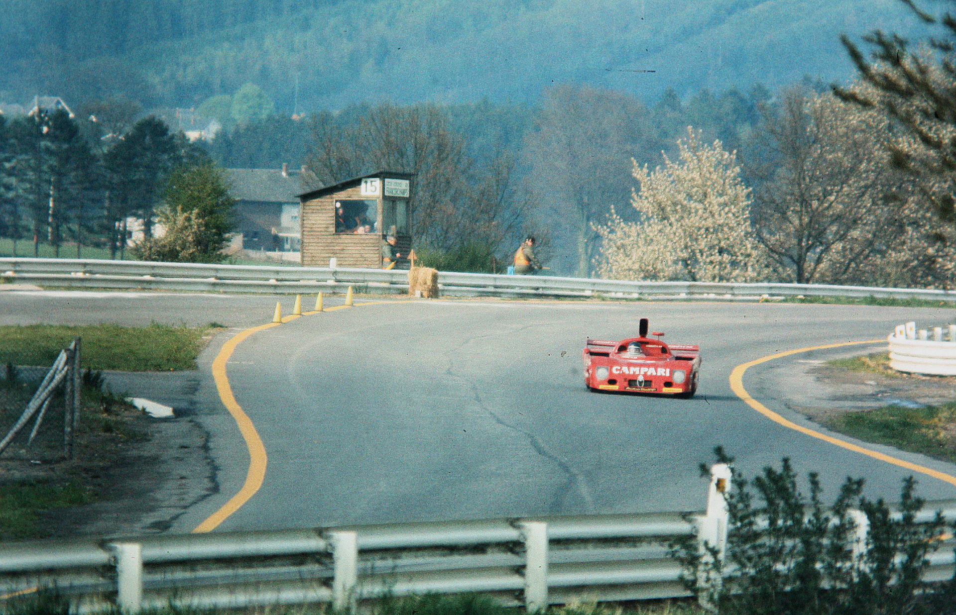 Новейший Nissan GT-R итрагические истории самого устрашающего поворота Формулы-1. Фото 1