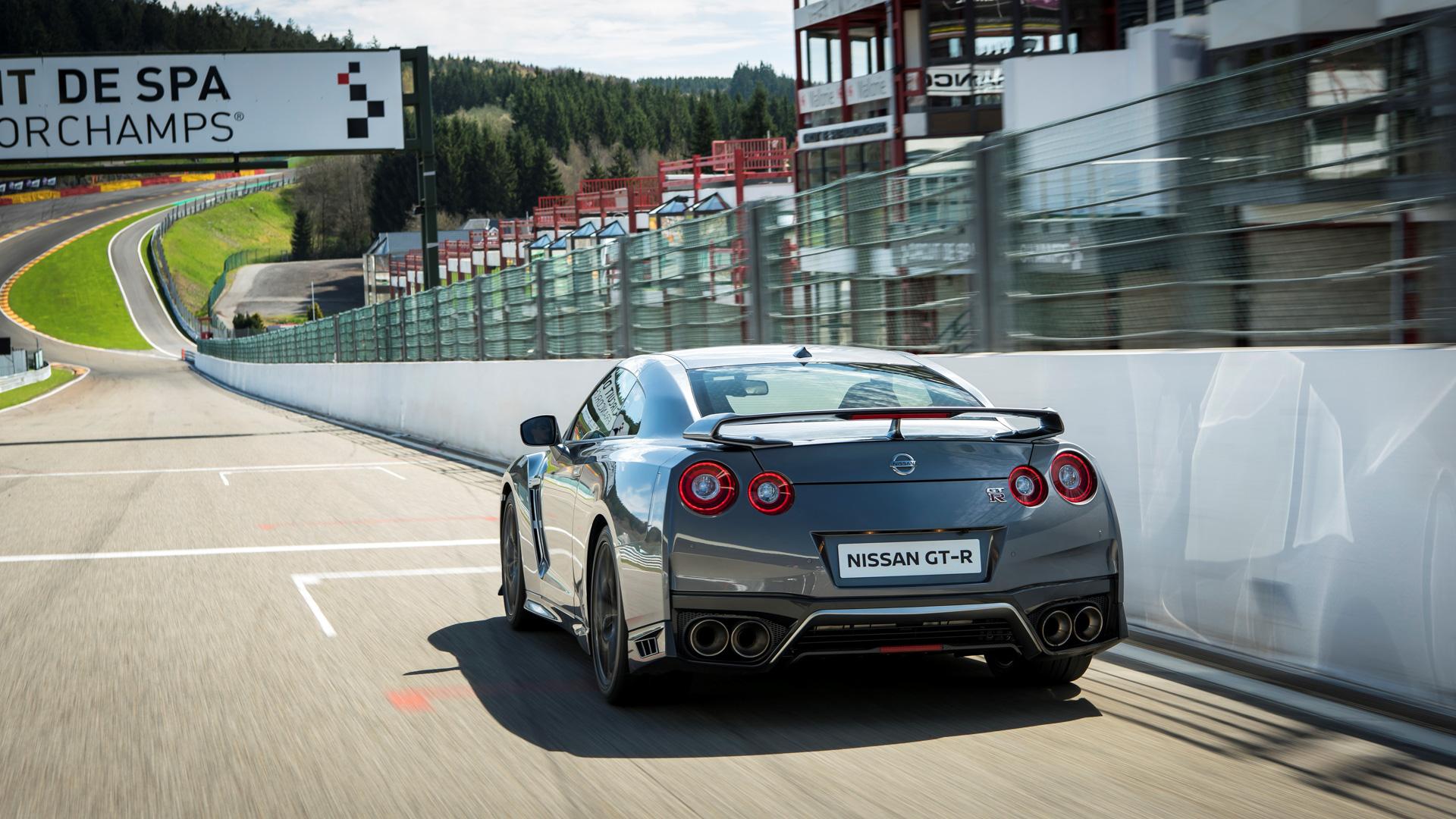 Новейший Nissan GT-R итрагические истории самого устрашающего поворота Формулы-1. Фото 10