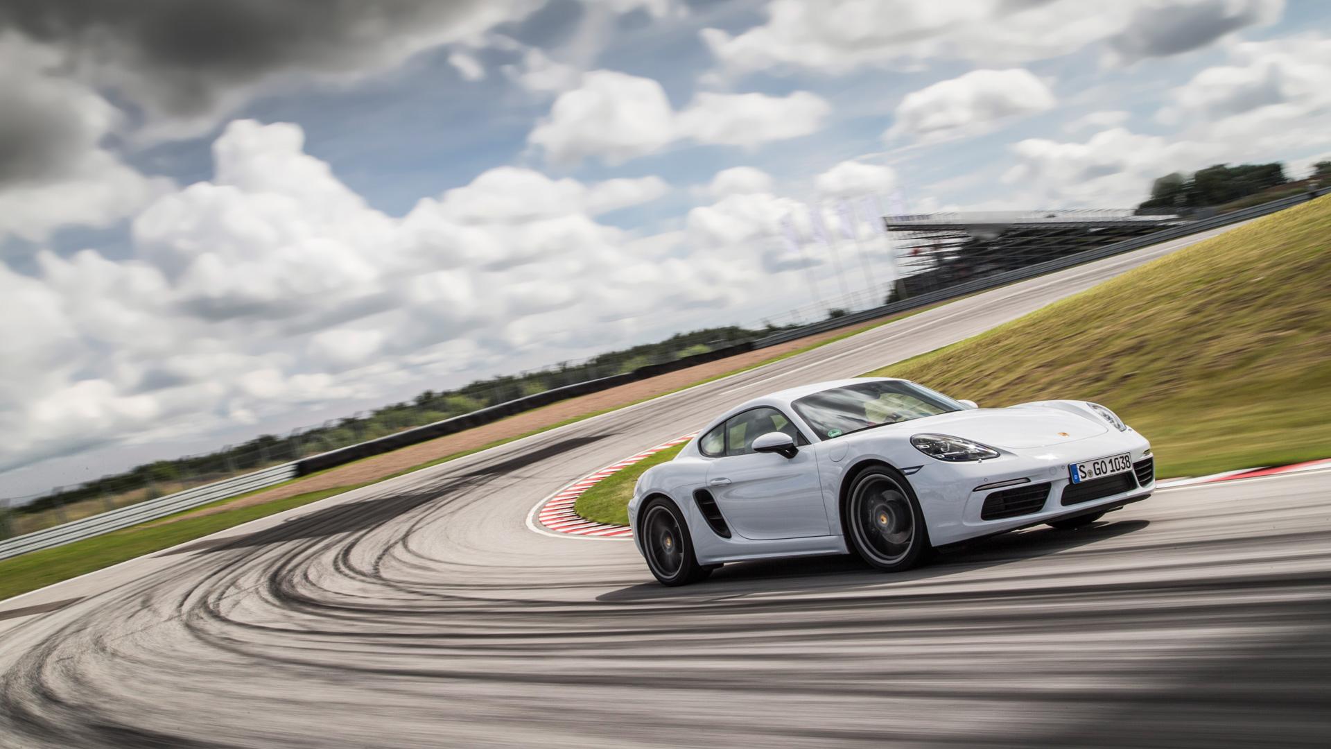 Коротко отом, почему мечты осамом крутом Porsche теперь можно отложить. Фото 5