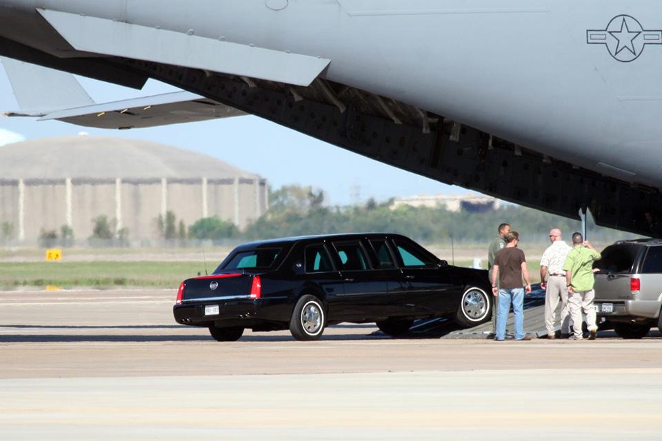Изкаких машин состоит кортеж президента США. Фото 1