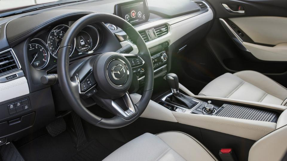 Моторы Mazda3 иMazda6 научились слушаться руля. Фото 3