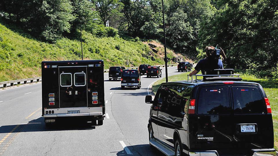 Изкаких машин состоит кортеж президента США. Фото 6