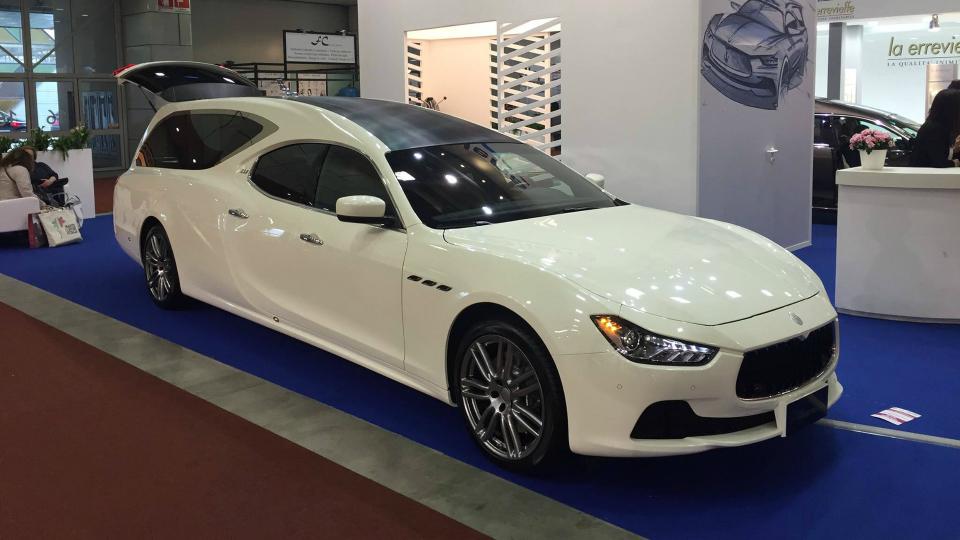 Maserati Ghibli превратили вкатафалк