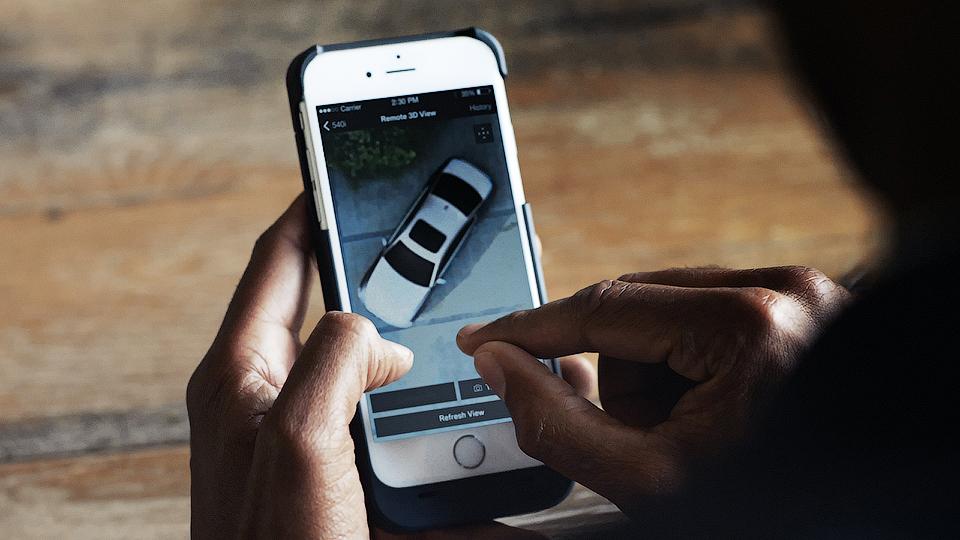 Новое поколение BMW 5 серии будет транслировать на телефон владельца видео вокруг авто