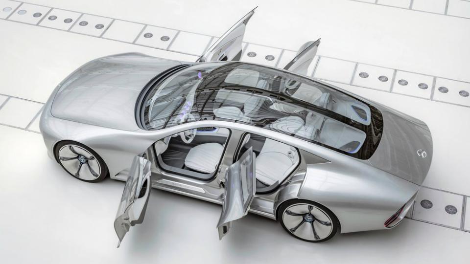 Впику Tesla концерн Daimler готовит сразу 6 электрокаров
