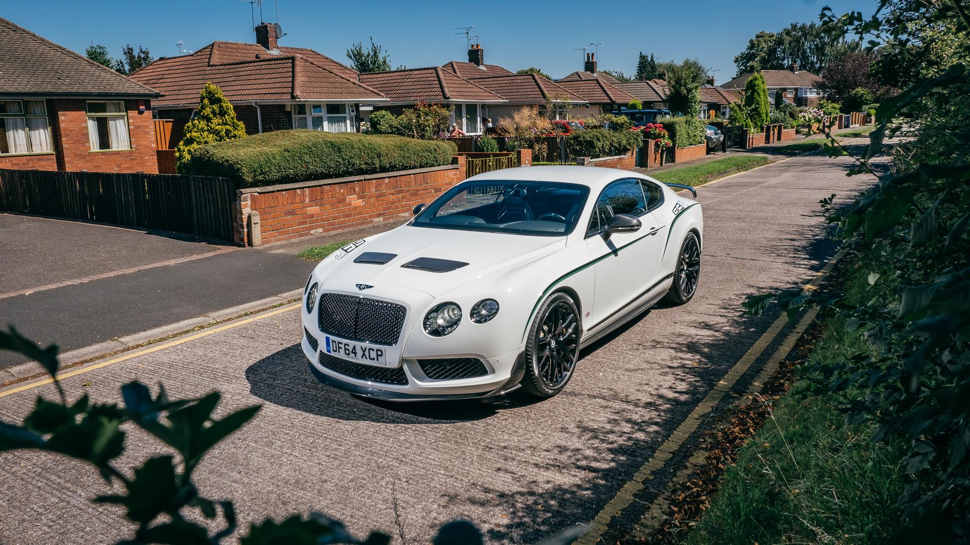 Мывзяли два спорткара Bentley, между которыми прошло почти столет. Фото 10