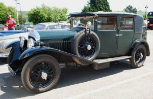 Мывзяли два спорткара Bentley, между которыми прошло почти столет. Фото 3