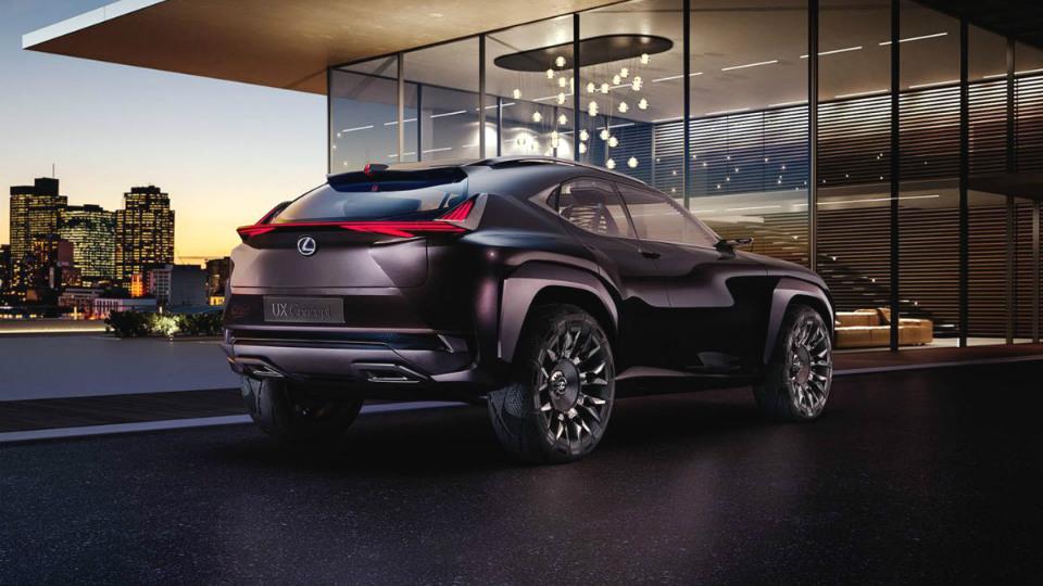Lexus привезет вПариж предвестника маленького кроссовера