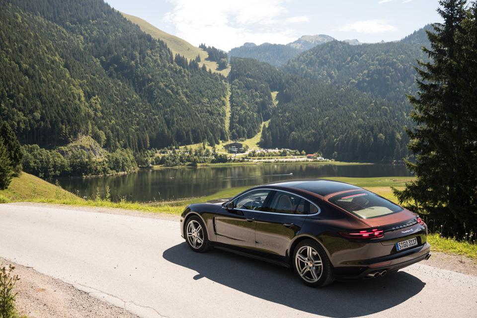 Инженеры Porsche сделали изPanamera самый совершенный спортседан вмире? Похоже, что да. Фото 10