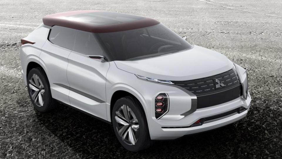 Mitsubishi привезет вПариж предвестника гибридного кроссовера