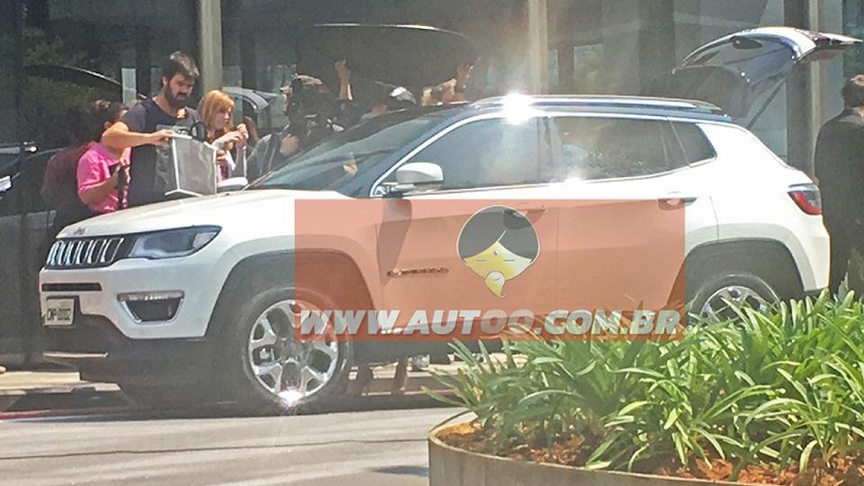 Премьера нового кроссовера Jeep пройдет вконце сентября
